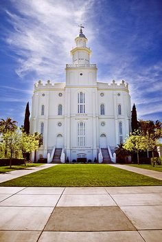 St. George Temple is the temple my family was sealed in - this is a beautiful picture