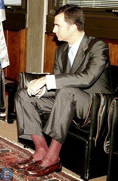 Silk Socks, Sheer Socks, Dress Socks, Well Dressed Men, Colorful Pictures, Cool Suits, Mens Suits, Men Dress, Mens Fashion