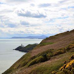 Un pequeño pueblo pesquero llamado Howth muy cerca de Dublín donde hacer una ruta de senderismo y comprobar la similitud del paisaje con Galicia...