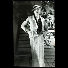 Tailleur de Lucien Lelong, photographie d'époque de Harry Meerson (circa 1935)