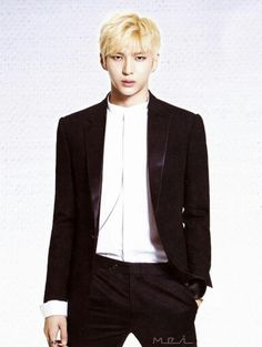 Blonde Leo
