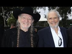 #music Willie Nelson & Merle Haggard - Don't Think Twice It's Alright [Bob Dylan cover released in 2015]