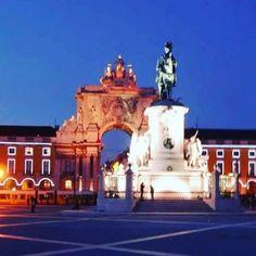 Wenn es Abend wird in Lissabon... 😍  #lissabon #lisboa #lisboa🇵🇹 #lisboacool #super_lisboa #lisbon #lisboa_pt #igerslisboa #ig_portugal #portugal #fernweh #travelgram #wanderlust #instatravel by weebo1846. igerslisboa #lisbon #portugal #lisboa🇵🇹 #lisboa_pt #fernweh #ig_portugal #wanderlust #instatravel #travelgram #super_lisboa #lisboa #lisboacool #lissabon