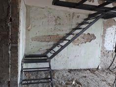 fém galéria Bunker, Ladder Decor, Space, Home Decor, How To Wear Scarves, Loft Interior Design, Interiors, Floor Space, Decoration Home