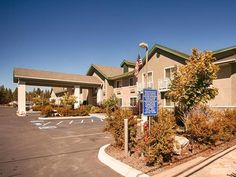 Chester (CA) Best Western Rose Quartz Inn United States, North America Best Western Rose Quartz Inn is a popular choice amongst travelers in Chester (CA), whether exploring or just passing through. The property features a wide range of facilities to make your stay a pleasant experience. 24-hour front desk, facilities for disabled guests, express check-in/check-out, Wi-Fi in public areas, car park are just some of the facilities on offer. Guestrooms are designed to provide an o...