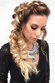 A braid crown will come in handy at any time, since no matter where you go, with such hair you will always look gorgeous and one of a kind! Try it!