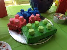 My 6 year old turned 6 last month and I totally forgot to post the party details.  The theme for this  party was a no-brainer - Lego.  I had...