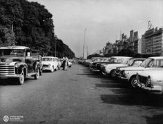Estacionamiento en la avenida 9 de Julio. 1968. Street View, Instagram, Obelisks, Art Museum, Parking Lot, Bridges, Waterfalls