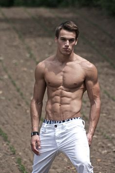 http://chicerman.com thisismensfitness: angel-dust-2014: Marc Fitt Inspiration: Clearly his body fat is less than 10% and his motivation videos are epic! #mensfitness