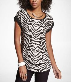SHORT ROLLED SLEEVE EASY TEE at Express