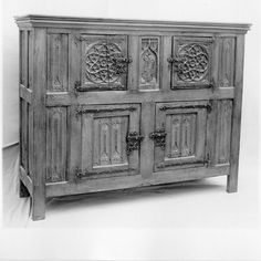 15 th century Flemish cupboard.