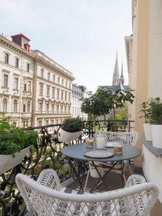 Paris Flat, Tuscan Bathroom, Terrasse Design, Apartment Balconies, H & M Home, Balcony Design, Outdoor Living, Outdoor Decor, Cozy House