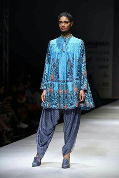Inde, Anarkali, Mode Pakistanaise, Mode Indienne, Défilé De Mode, Vêtements  Décontracté Pakistanais, Robes De Mariée Indiennes, Habillement Indien, ... 211a8d386b32