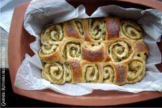 Garnek Rzymski: Ciasto drożdżowe z kapustą kiszoną i grzybami