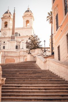 Piazza di Spagna- The ultimate Rome trip itinerary Day than authentic City Aesthetic, Travel Aesthetic, Beige Aesthetic, Places To Travel, Travel Destinations, Places To Visit, Rome Pictures, Palermo, Belle Photo