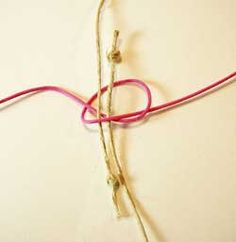 DIY Sliding Knot Instructions: How to Make a Sliding Knot for Jewelry Slip Knot Bracelets, Bracelet Knots, Bracelet Crafts, Jewelry Crafts, Sliding Knot, Adjustable Knot, Adjustable Bracelet, Diy Schmuck, Schmuck Design