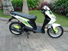 Motor Beat Modifikasi Honda Icon Gaya Thailand Look - Clear Hijau Putih