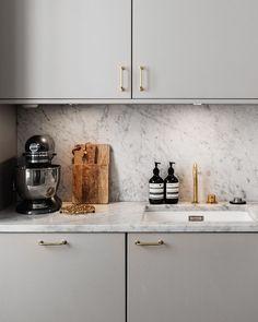 Kitchen. Perfect! Minimal, gray and chic
