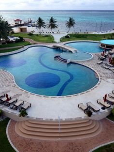 Grand Caribe #sanpedro #belize Belize Hotels, Swimming Pools, Places To Go, Country, Outdoor Decor, Travel, Home, Swiming Pool, Pools
