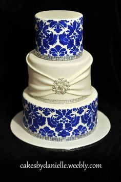 Beautiful Blue and White Cake