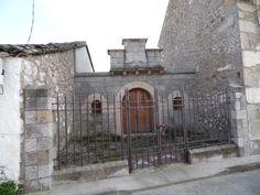 SOTILLO DE LAS PALOMAS (Toledo). Casa de piedra.