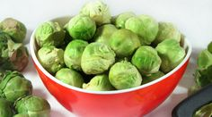 Brussels sprouts are high in antioxidants Healthy Side Dishes, Side Dish Recipes, Metabolism Boosting Foods, Good Roasts, Arthritis Remedies, Healthy Lifestyle, Vegetables, Brussels Sprouts, Sprout Recipe