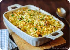 Käsespätzle - ganz schneller Spätzleteig aus Mehl, Ei und Salz, dazu Butter-Zwiebeln und Käse, mehr nicht - ausprobieren! - http://www.kuriositaetenladen.com/2012/10/kasespatzle.html