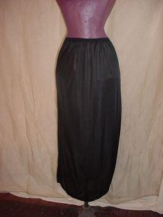 Vintage Henson Kickernick Black Half Slip sz Medium w Curved Slit J117 Mid Calf