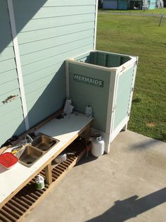Outdoor fish cleaning station and shower. Fish Cleaning Table, Fish Cleaning Station, Beach Cottages, Beach House, Fishing, House Ideas, Construction, Cabin, River
