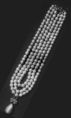 Marie Antoinette's pearl: Exceptional and highly important natural pearl and diamond pendant, century, illustrated as suspended from Marie Antoinette's three-strand pearl necklace. Royal Jewelry, Pearl Jewelry, Jewelery, Fine Jewelry, Grey Pearl Earrings, Diamond Pendant Necklace, Pearl Necklace, Marie Antoinette, Or Antique