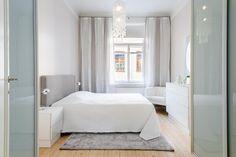 Vaalea värimaailma luo rauhallisen tunnelman makuuhuoneeseen