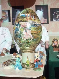 Yup, food! This entire egg is made from chocolate-the painting is done with tinted cocoa butter...from the amazing pastry chefs at Disney's Grand Floridian, snapped at a press dinner event in 2011. I want one in my Easter basket this year!!
