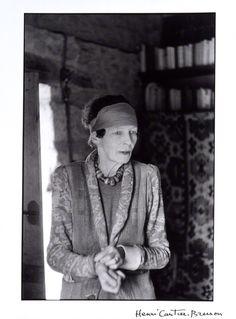 * Nancy CUNARD at her home in La Chapelle-Réanville photo  Henri Cartier-Bresson, 1956