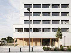 BÂTIMENT DE BUREAUX MAX WEBER À NANTERRE Architecte : Pascal Gontier -  Photo : SchneppRenou