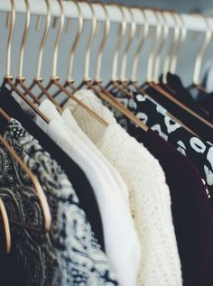 Blacks white greys 😍 always a classic My Wardrobe, Capsule Wardrobe, Vender Online, Vans Sk8, High Top Sneakers, Clothes, Black, Style, Classic