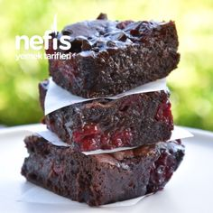 Chocolate and Cherry Brownie (Delicious Flavor) - Delicious Recipes - Larti Sanat 3112 One Bowl Brownies, Cherry Brownies, Brownie Recipes, Chocolate Recipes, Dessert Recipes, Desserts, Oreo Pops, Good Food, Yummy Food