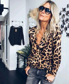 Belle chemise léopard - Care Skin Condition and Treatment Oil Makeup Mode Boho, Mode Chic, Mode Style, Leopard Print Outfits, Leopard Blouse, Mode Outfits, Casual Outfits, Fashion Outfits, Womens Fashion
