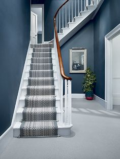 Example hallway in Stiffkey Blue House Stairs, Carpet Stairs, Hall Carpet, Style At Home, Estilo Craftsman, Studio Decor, Stiffkey Blue, Victorian Hallway, Hallway Colours