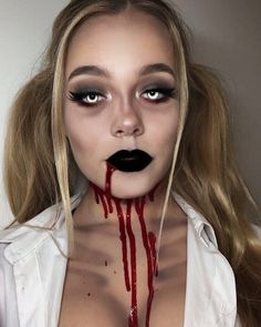 Looking for for ideas for your Halloween make-up? Browse around this site for creepy Halloween makeup looks. Halloween Makeup Blood, Maquillage Halloween Zombie, Disfarces Halloween, Blood Makeup, Halloween Outfits, Infant Halloween, Unique Halloween Makeup, Halloween Parties, Hallowen Schminke
