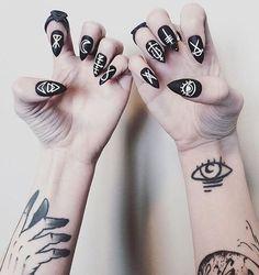 Black magic #nails inspiration ❤✨ #nailart #nails #art #nailsart #inspiration #fashion #fashionable #beautiful #woman #inspiration #nailsdesign #nailspolish #nailsnailsnails #nailsaddict #nailspiration #nailsoftheday #urstyle