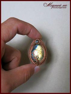 Copper pendant with labradorite. Медный кулон с ярким лабрадором. Размер : 3*5…