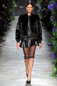 Givenchy Fall 2011 Ready-to-Wear Fashion Show - Frankie Rayder