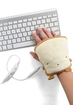 Crust Be Dreaming USB Hand Warmers, #ModCloth $34.99 This is the greatest idea ever! I live in such a cold house!