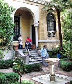 Puerta principal del edificio del Museo Sorolla en Madrid Madrid, Prado, Mediterranean Garden, Land Scape, Europe, Outdoor Decor, Travel, Luxury, Entrance Halls