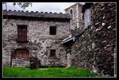 Arquitectura Negra: Majaelrayo y Campillo de Ranas - Guadalajara.- Spain