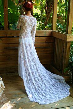 White Lace Bridal Nightgown With Train Wedding Lingerie Bridal Sleepwear Lingerie Honeymoon Troussseau Beach Wedding