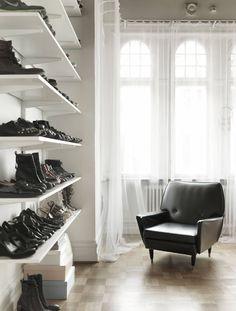 // shoe shelves