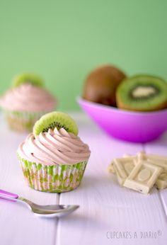 Cupcakes de kiwi y chocolate blanco sin azúcar. Buscando el mejor cupcake sin azúcar del mundo...