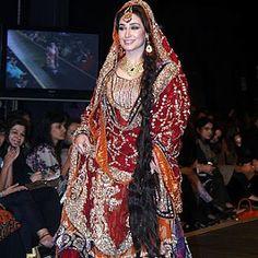 MiX FasHioN: Captivating brides in Pakistani bridal dress