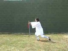 Tai Chi Chuan Yang Espada 32 movimientos - YouTube